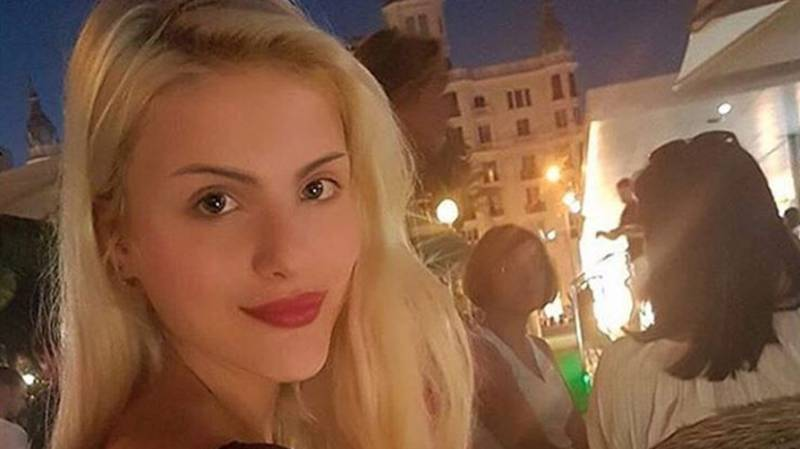 Student Claims She Earns Up To £18,000 A Month From Six Sugar Daddies