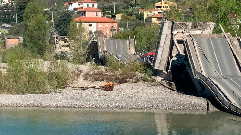 Only Two Drivers Injured As Huge Bridge In Italy Collapses Amid Lockdown