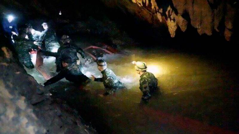 Water Accidentally Pumped Into Hole Where Thai Football Team Are Trapped