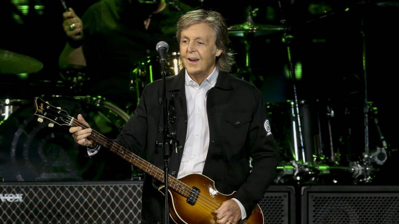 Sir Paul McCartney Admits To Using Autocue When Singing Because He's 'Thinking About Food'