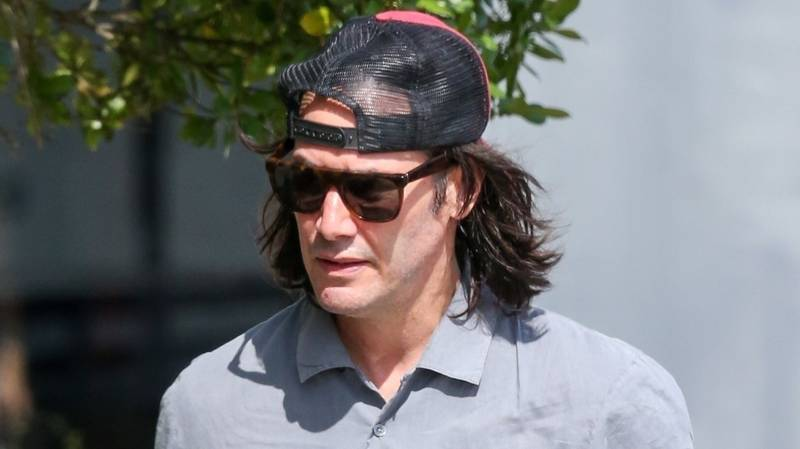 A Fresh-Faced Keanu Reeves Shows Up To Start Filming Bill And Ted 3