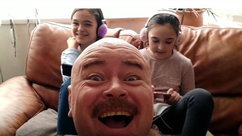Dad Of Five Starts YouTube Channel Because His Kids Are Always On Their Phones