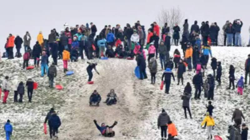 Hundreds Visit Park To Go Sledging And Have Snowball Fights Despite Lockdown