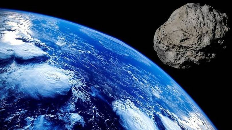 Largest Asteroid To Fly Past Earth In 2021 'Potentially Hazardous' - LADbible