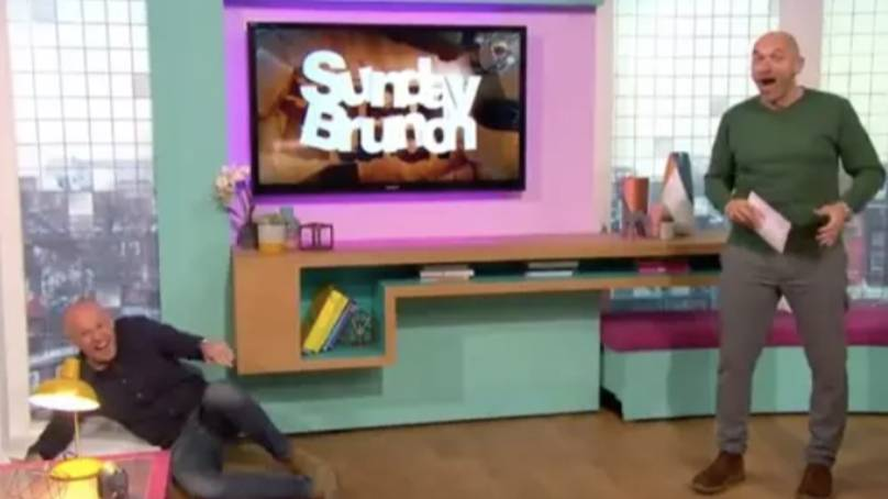 Tim Lovejoy Celebrity TV Presenter Card Mask SUNDAY BRUNCH Masks Are Pre-Cut!